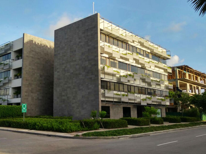 exterior edificio cedro alquiler de oficinas en punta cana village oficinas punta cana